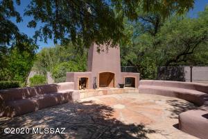3150 N Lodge Road, Tucson, AZ 85750
