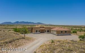 3285 W Acorn Lane, Benson, AZ 85602