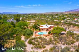 7960 E Cloud Road, Tucson, AZ 85750