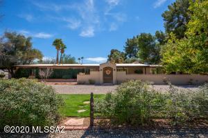 6114 E San Cristobal Street, Tucson, AZ 85715