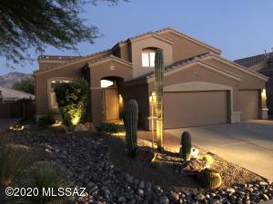305 W Sacaton Canyon Drive, Oro Valley, AZ 85755