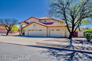 7350 E Knollwood Drive, Tucson, AZ 85750