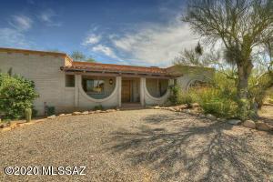 6520 N Calle De Estevan, Tucson, AZ 85718