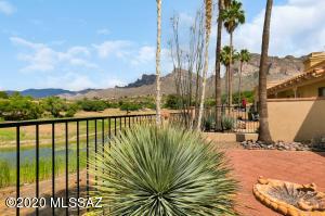 10068 N Plaza De Corrida, Tucson, AZ 85704