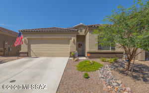This immaculate Zoe model is only 1yr old and move-in ready!