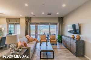 185 E Twintip Place, Oro Valley, AZ 85755