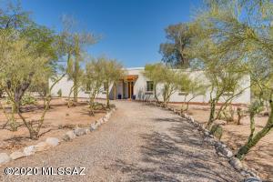 700 E Camino De Fray Marcos, Tucson, AZ 85718