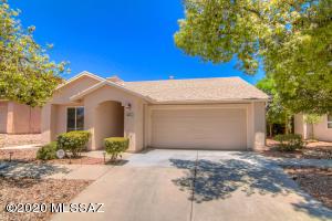 8031 E Calle Navarrete, Tucson, AZ 85715