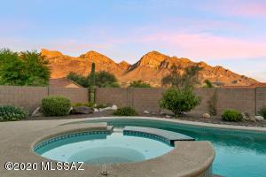388 E Streams Edge Place, Tucson, AZ 85737