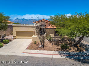 Corner lot with mountain views!