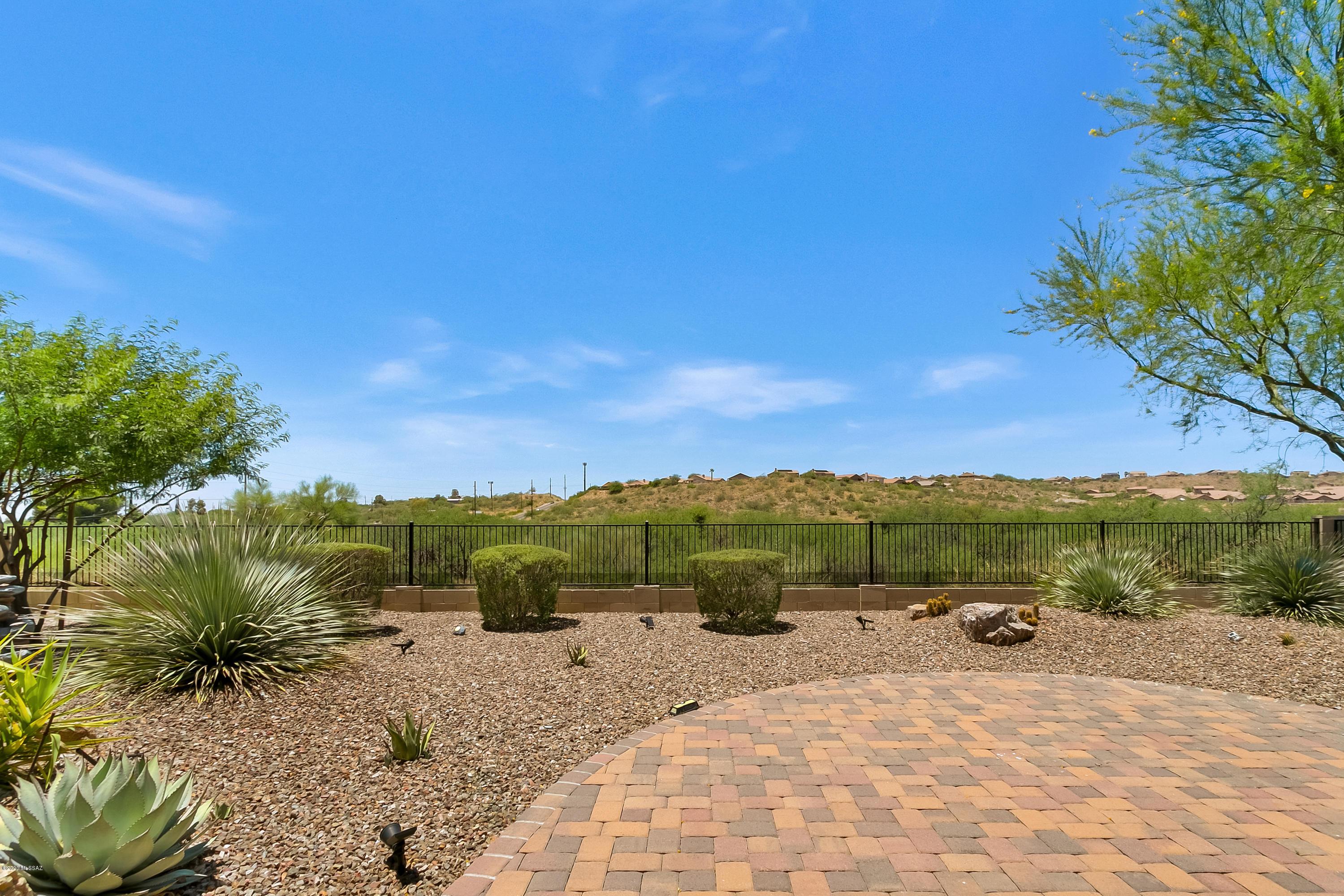 Photo of 40092 S Winding Trail, Saddlebrooke, AZ 85739
