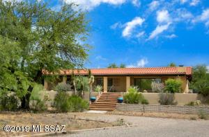 808 W Pso Del Canto, Green Valley, AZ 85622