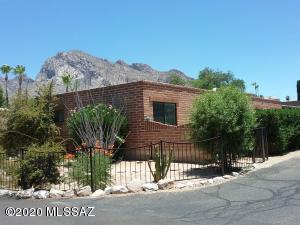1 W Roma Drive, Oro Valley, AZ 85737