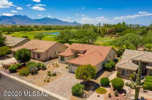 2076 E Desert Fox Drive, Green Valley, AZ 85614