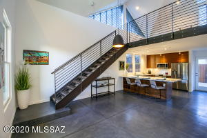 802 S 5Th Avenue, Tucson, AZ 85701