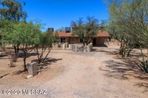 8965 N Marathon Drive, Tucson, AZ 85704