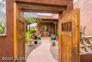 2632 E Reata Ridge Place, Sahuarita, AZ 85629