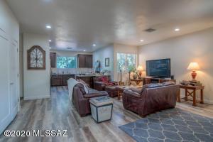 813 E 8th Street, Tucson, AZ 85719
