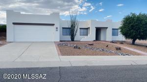 826 W Belltower Drive, Green Valley, AZ 85614