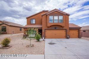706 S Willis Ray Avenue, Vail, AZ 85641