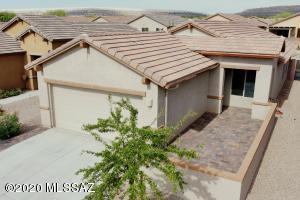 599 N Tunitcha Drive, Green Valley, AZ 85614