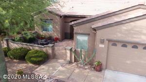 917 W Bosch Drive, Green Valley, AZ 85614