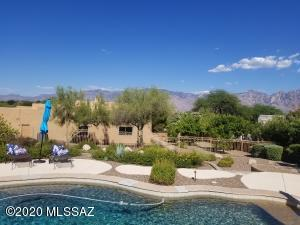975 W Silver Spring Place, Oro Valley, AZ 85755