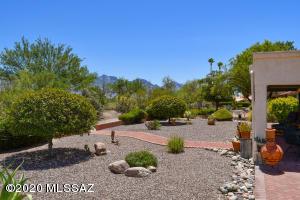 14450 N Choctaw Drive, Oro Valley, AZ 85755