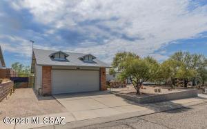 10158 E Sky Castle Way, Tucson, AZ 85730