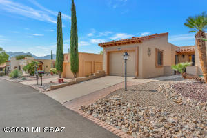 1079 W Camino Sagasta, Green Valley, AZ 85622