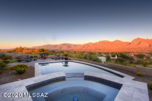 11075 N Stargazer Drive, Oro Valley, AZ 85737