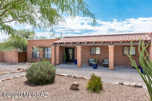 1040 E Camino De Los Padres, Tucson, AZ 85718