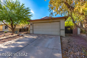 1716 W Great Oak Drive, Tucson, AZ 85746
