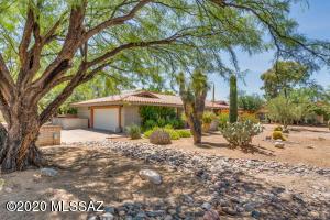 932 E Calle Mariposa, Tucson, AZ 85718