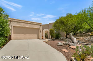 9801 N Ridge Shadow Place, Oro Valley, AZ 85704