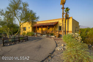 6150 W Saddle Horn Circle, Tucson, AZ 85743