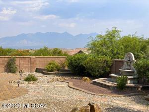 2521 W Dome Rock Drive, Green Valley, AZ 85622