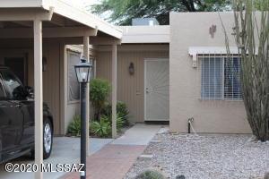 1392 S Desert Meadows Circle, Green Valley, AZ 85614