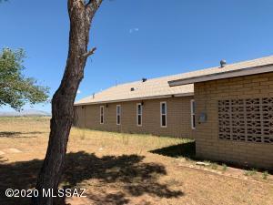 13385 S Dos Cabezas Road, Pearce, AZ 85625