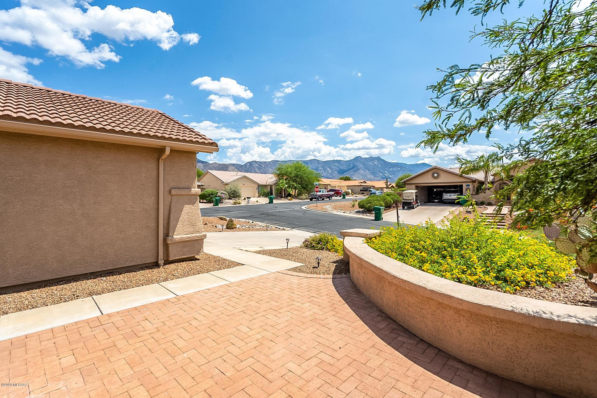 Photo of 65872 E Desert Sands Drive, Saddlebrooke, AZ 85739