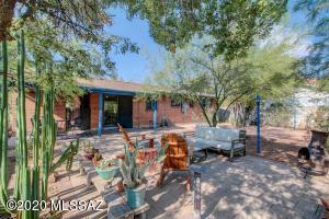 2710 E 10Th Street, Tucson, AZ 85716