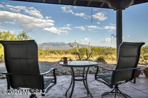 3650 W Calle Tres, Green Valley, AZ 85622