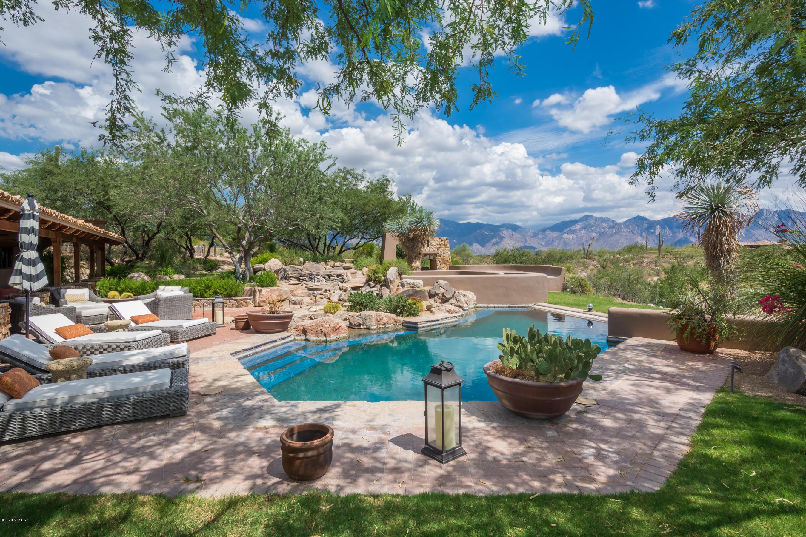 Photo of 931 Tortolita Mountain Circle, Oro Valley, AZ 85755