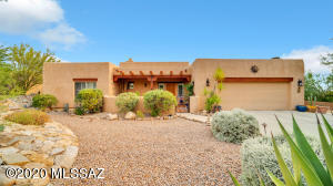 671 W Soaring Hawk Place W, Oro Valley, AZ 85755