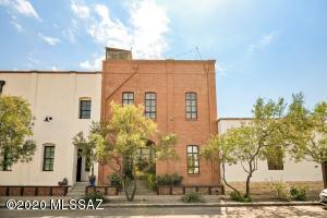 881 W Paseo De Los Zanjeros, Tucson, AZ 85745
