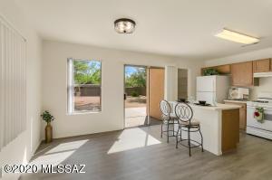 6211 S Logger Drive, Tucson, AZ 85746