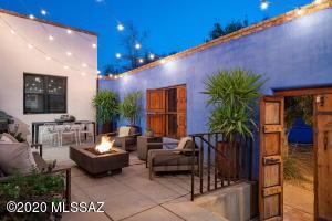 895 W Paseo De Los Zanjeros, Tucson, AZ 85745