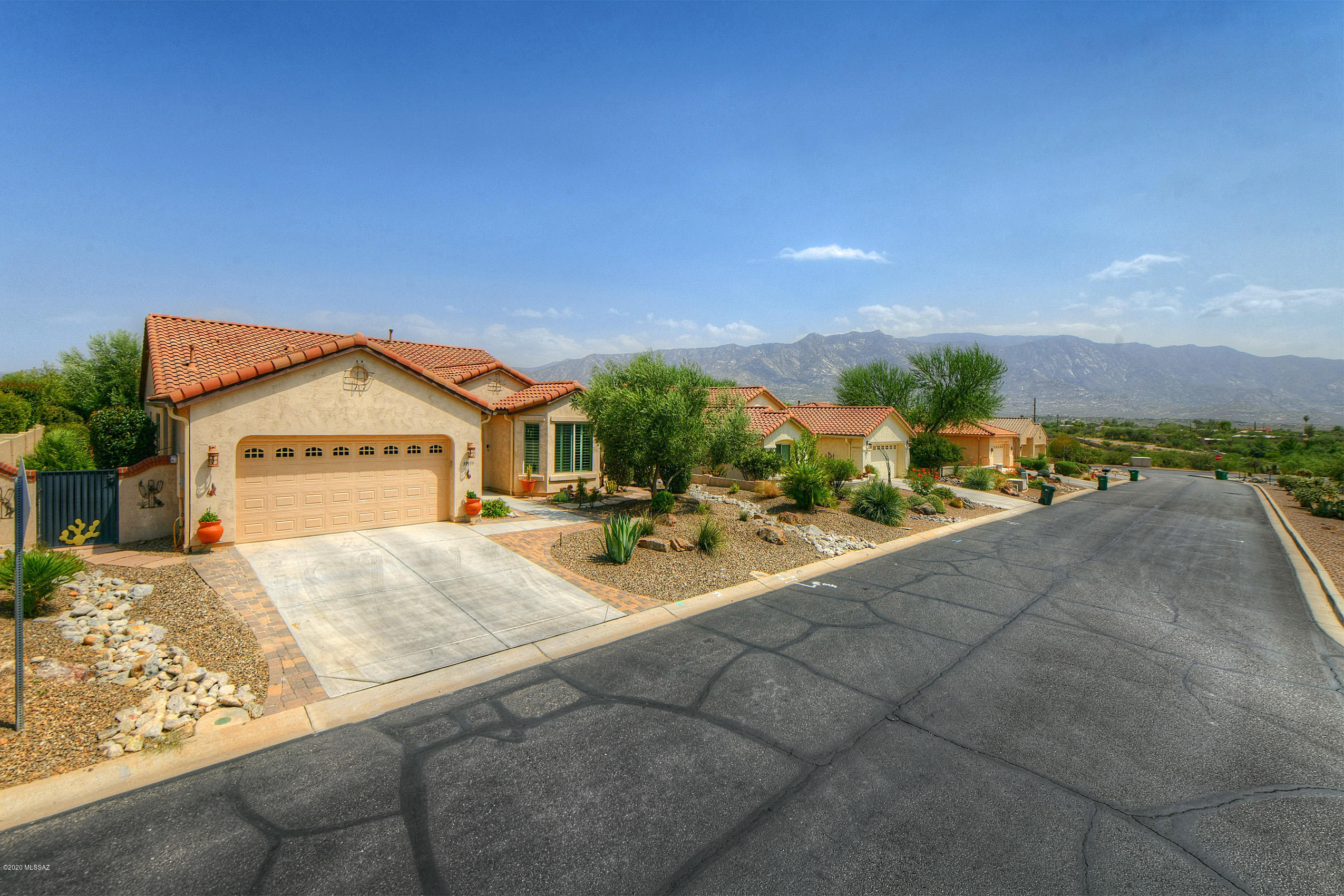 Photo of 39959 S Sand Crest Drive, Tucson, AZ 85739