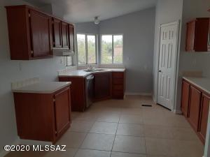 13122 N Flintlock Road, Marana, AZ 85653