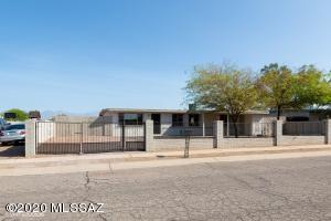 7711 E Apple Tree Drive, Tucson, AZ 85730